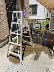 牛乳パック流し素麺台に水道設置