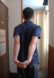 【猫背防止】胸開きエクササイズ5